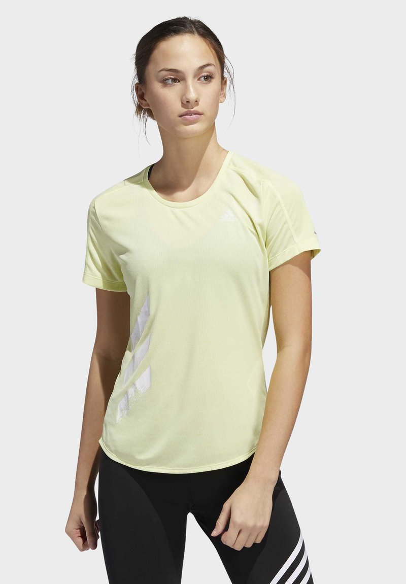 adidas Performance - RUN IT 3-STRIPES FAST T-SHIRT - T-shirt con stampa - yellow