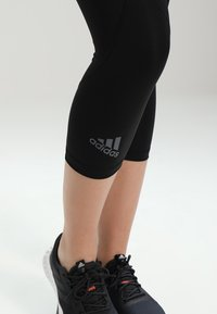 adidas Performance - Pantalon 3/4 de sport - black - 4