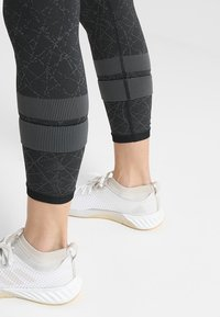 adidas Performance - Leggings - black/gresix - 5