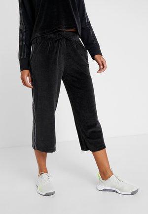 SID PANT - Pantalones deportivos - black