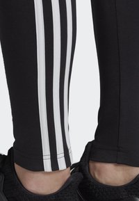 adidas Performance - ASYMMETRICAL 3-STRIPES LEGGINGS - Medias - black - 3