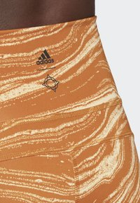 adidas Performance - BELIEVE THIS WANDERLUST LEGGINGS - Leggings - orange