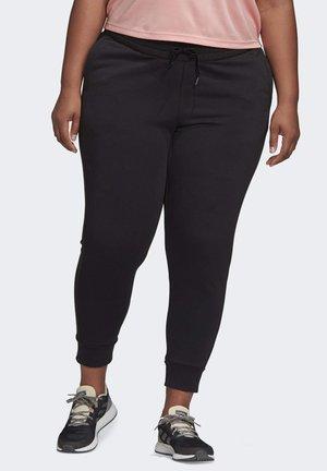 2019-11-29 ESSENTIALS JOGGERS - Pantalon de survêtement - black/white