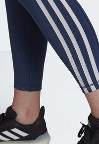 adidas Performance - BELIEVE THIS 3-STRIPES 7/8 LEGGINGS - Collants - tech indigo - 6