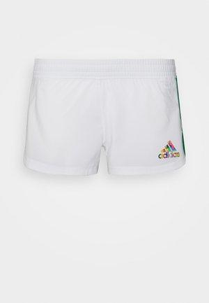 PRIDE PACER SHORT - Urheilushortsit - white