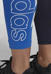 adidas Performance - 2020-03-25 MUST HAVES COLORBLOCK 7/8 LEGGINGS - Leggings - blue - 6