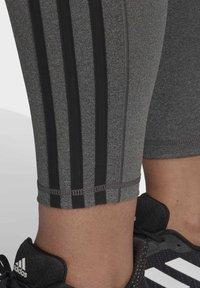 adidas Performance - BELIEVE THIS 3-STRIPES 7/8 LEGGINGS (PLUS SIZE) - Legging - grey - 4