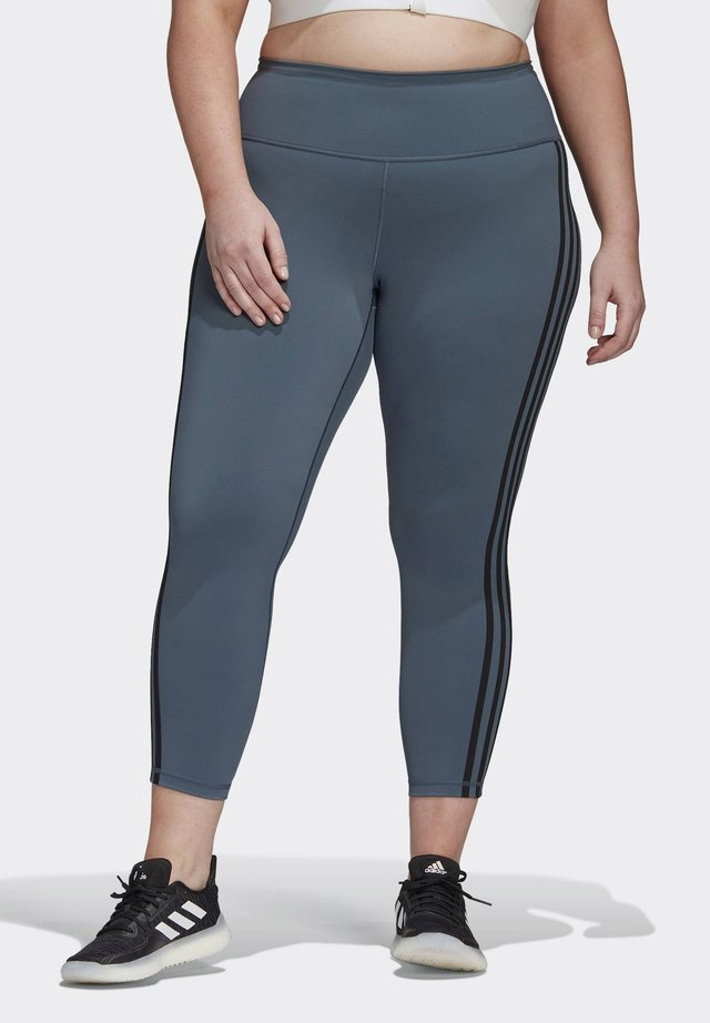 BELIEVE THIS 3-STRIPES 7/8 LEGGINGS (PLUS SIZE) - Tights - green