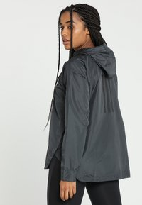 adidas Performance - URBAN CLIMASTORM WINDBREAKER - Vindjakke - carbon - 2
