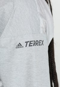 adidas Performance - TERREX AGRAVIC WINDWEAVE - Windjack - grey/white - 6