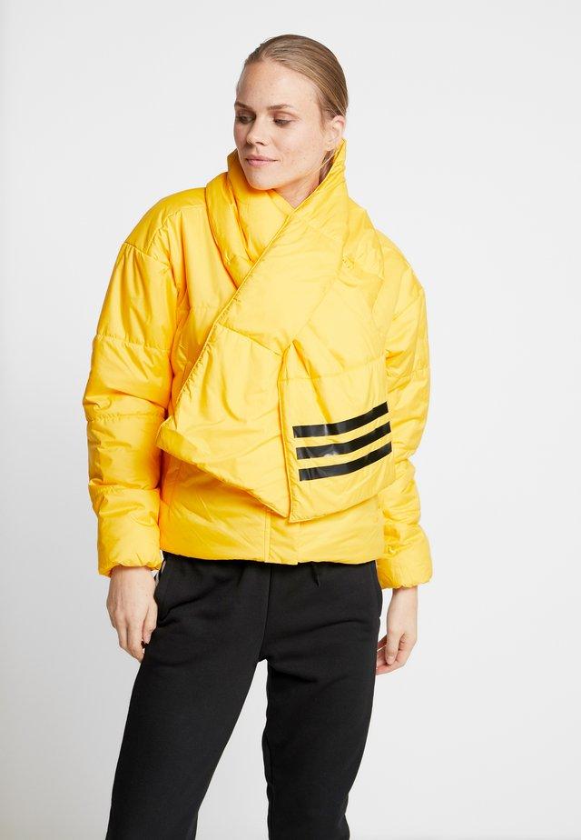 BIG BAFFLE WINTER JACKET - Winter jacket - active gold
