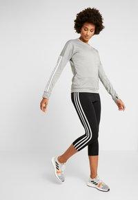 adidas Performance - CLIMALITE RUNNING LONG SLEEVE PULLOVER - Sweatshirt - grey - 1