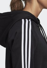 adidas Performance - MUST HAVES 3-STRIPES FRENCH TERRY HOODIE - Mikina na zip - black - 5