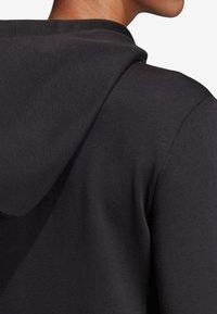 adidas Performance - MIT KAPUZE  - Hoodie met rits - black - 6