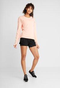 adidas Performance - RUN CRU - Camiseta de manga larga - glow pink/heather - 1