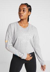 adidas Performance - GLOBAL CREW - Sweatshirt - medium grey heather - 0