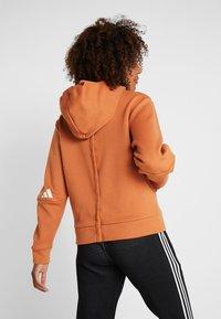 adidas Performance - Jersey con capucha - copper - 2