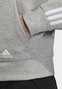 adidas Performance - MUST HAVES 3-STRIPES HOODIE - Hettejakke - grey - 4