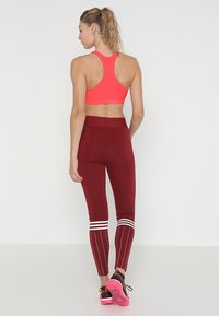 adidas Performance - CLIMACOOL WORKOUT BRA - Sport BH - shock red - 2