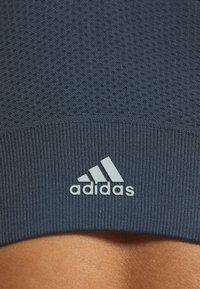 adidas Performance - SEAMLESS BRA - Sport BH - blue - 5