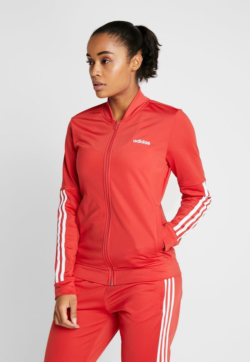 adidas Performance - ESSENTIALS 3STRIPES SPORT TRACKSUIT - Trainingspak - glow red