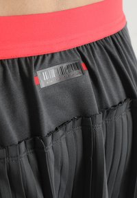 adidas Performance - SKIRT - Gonna sportivo - grey six/show red - 3