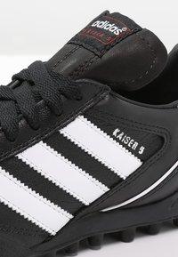 adidas Performance - KAISER 5 TEAM TF - Hiekkakengät - black/running white - 5