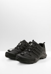 adidas Performance - TERREX SWIFT R2 HIKING SHOES - Chaussures de marche - coren black - 2