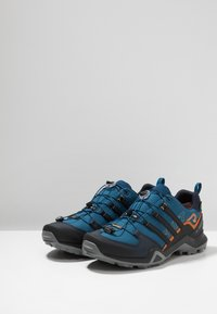 adidas Performance - TERREX SWIFT R2 GORE-TEX - Hiking shoes - legend marine/core black/tech copper - 2