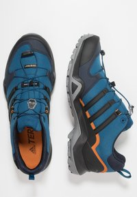 adidas Performance - TERREX SWIFT R2 GORE-TEX - Hiking shoes - legend marine/core black/tech copper