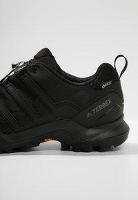adidas Performance - TERREX SWIFT R2 GORE-TEX - Zapatillas de senderismo - black - 5
