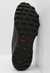 adidas Performance - TERREX TRACEROCKER GORE TEX TRAIL RUNNING SHOES - Hiking shoes - core black/carbon - 4