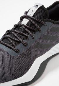 adidas Performance - CRAZYTRAIN LT M - Træningssko - grey five/core black/grey two - 5