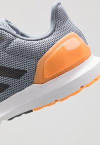 adidas Performance - COSMIC 2 - Chaussures de running neutres - grey/grey five/flash orange - 5