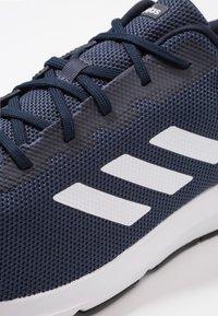 adidas Performance - COSMIC 2 - Zapatillas de running neutras - legend ink/footwear white/trace blue - 5