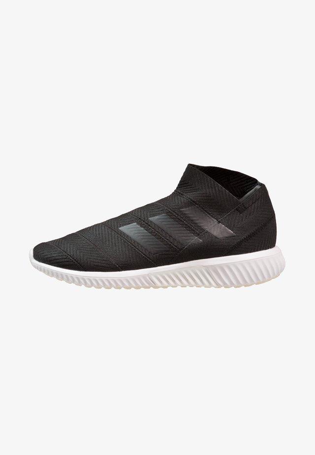 NEMEZIZ TANGO 18.1 TR - Kuntoilukengät - core black/footwear white