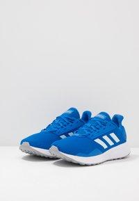 adidas Performance - DURAMO 9 - Nøytrale løpesko - glow blue/sky tint/footwear white - 2