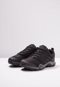 adidas Performance - TERREX BRUSHWOOD LEATHER HIKING SHOES - Hikingskor - core black/grey five - 2