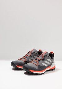adidas Performance - TERREX SKYCHASER LT - Zapatillas de senderismo - grey three/grey one/active orange - 2