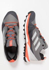 adidas Performance - TERREX SKYCHASER LT - Zapatillas de senderismo - grey three/grey one/active orange - 1