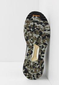 adidas Performance - TERREX FREE HIKER - Zapatillas de senderismo - raw khaki/core black - 4