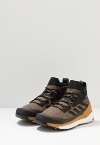 adidas Performance - TERREX FREE HIKER - Zapatillas de senderismo - cardboard/core black/real blue - 2