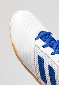 adidas Performance - PREDATOR 19.4 IN SALA - Fotbollsskor inomhusskor - footwear white/bold blue - 5