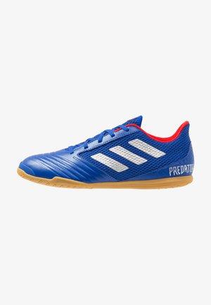 PREDATOR 19.4 IN SALA - Botas de fútbol sin tacos - bold blue/silver metallic/active red