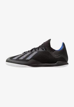 X 18.3 IN - Halové fotbalové kopačky - core black/bold blue
