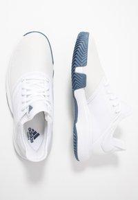 adidas Performance - GAMECOURT - Tennissko til grusbane - footwear white/tech ink - 1