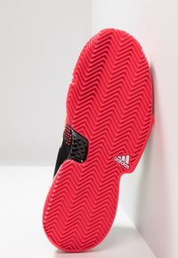 adidas Performance - SOLECOURT BOOST CLAY - Tennisskor för grus - core black/hi-res yellow/shock red - 4