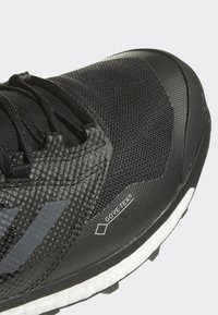 adidas Performance - TERREX AGRAVIC XT GTX SHOES - Trail hardloopschoenen - black - 6