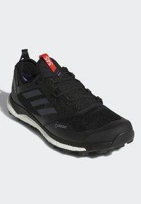 adidas Performance - TERREX AGRAVIC XT GTX SHOES - Trail hardloopschoenen - black - 2