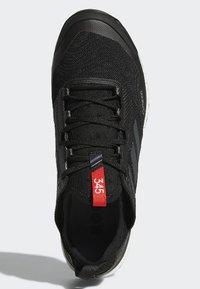 adidas Performance - TERREX AGRAVIC XT GTX SHOES - Trail hardloopschoenen - black - 1